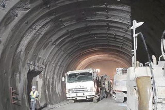 岐阜県ひるがのトンネル